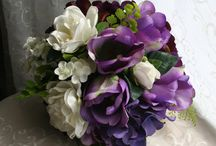 Florals / Flower arrangements, flower bed ideas / by Brenda Hersey