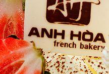 Thiết kế nhận diện thương hiệu bánh ngọt pháp Anh Hòa /  Anh Hòa French Bakery!  Anh Hòa - thương hiệu Bánh ngọt Pháp xuất hiện từ những năm 90 của thế kỷ trước - là một phần quen thuộc của người dân thủ đô với những hương vị riêng đã in dấu thời gian... Nồng nàn mà đan xen giữa quá khứ & hiện đại!