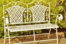Our Top 10 Garden Benches / Our hand-picked selection of our most fantastic garden benches.