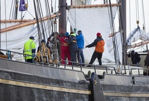 Brandaris race / De charterschepen in actie tijdens de Brandaris race. Zeiltochten op de schepen via: www.zeilendeschepen.nl