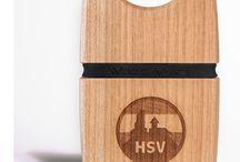 Individuelles Design / Wir personalisieren Ihre Wood.Mate Geldbrieftasche auf Wunsch mit Ihrem Namen, Firmenlogo oder eigenem Design mit einer dauerhaften und abriebsicheren Lasergravur.