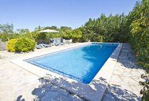Fincas auf Mallorca / Verbringen Sie auf einer der beliebtesten Inseln der Welt Ihren Urlaub: Mallorca! Sie möchten eine wunderschöne Finca mieten? Einen Ort zum Wohlfühlen, an dem Sie jeden Moment Ihres Urlaubs genießen und zu dem Sie nach einem aktiven Tag draußen immer gerne zurückkehren - mit dem guten Gefühl, nach Hause zu kommen? Dann sind Sie bei uns genau richtig!