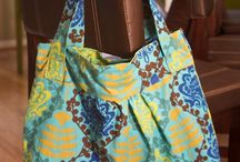 Sewing - Bags / by Elizabeth Ehrmann-Subia