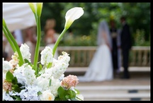 Catch The Bouquet / Wedding Flowers That We Love