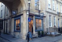 Quercus Gallery Photos / Pictures of the gallery on beautiful Queen Street!