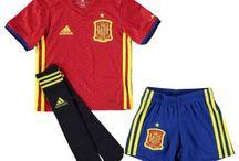 Billige fodboldtrøjer Spanien til børn / Køb billige Spanien fodboldtrøjer til børn online med oplag. Vi leverer nye Spanien billige fodboldsæt børn med lav pris og hurtig levering. Køb nu!
