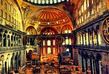 Hagia Sophia / Hagia Sophia is located in Istanbul Turkey. It is at the European part of the city in Sultanahmet area (old town), nearby Topkapi palace in Istanbul. It is within walking distance from the hotels in Sultanahmet. The distance from Istanbul International Airport is 20km.