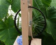 Spinning wheels & spindles
