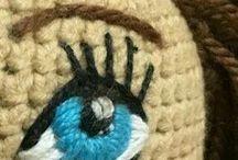 μάτι σε κούκλα