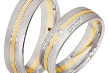 Silberschmuck für Hochzeit / Sind Sie auf der Suche nach Silberschmuck für Ihre Hochzeit? Dann sind Sie hier genau richtig! Auf Moderne Hochzeit finden Sie Anbieter bundesweit für deutsche Hochzeiten im Bereich Silberschmuck.