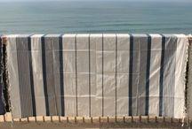 Foutas Grandes Tailles / Les Foutas Grands Modèles en 2m x 2m sont tissées en Tunisie Artisanalement. De Dimensions généreuses, elle sont l'accessoire idéal pour la Plage en Duo, comme Plaid de Canapé ou comme nappe. 100% Coton elles se lavant en machine. http://www.cosydeco.com/foutas-grandes-tailles-l-2_210.html