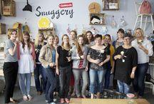 """Hochzeits-DIY-Workshop ♥ wedding-workshop / Kuchenkult hat 8 Gewinner nach Berlin eingeladen, um am 24. Mai 2014 zusammen mit Profis ausgefallene Hochzeitstorten und stimmungsvolle Deko zum Thema """"Vintage Chic"""" zu gestalten. Es war ein toller Workshop in der DaWanda-Snuggery!"""