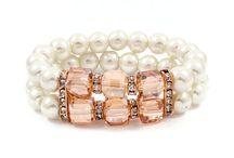 Jewelry to make  / by Brooke Hanna-Santalucia