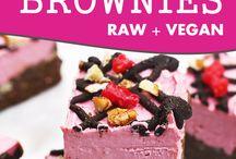 {Healthy} Raw treats - cakes, brownies, cookies etc...I like / A selection of raw treats - cakes, cookies you name it!