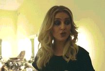 Perrie's gifs / New gifs everyday!