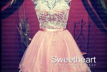Short Dresses / by Selina Rascon
