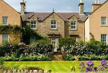 Greenhead Farm Bed & Breakfast / Greenhead of Arnot - Luxury Fife Bed and Breakfast by Glenrothes, Scotland.  Greenhead of Arnot is a Fife farmhouse B&B that dates from about 1840,with additions in 2000, which have made the house spacious and modern; ideal for the country house bed and breakfast business which Malcolm and Maggie Strang Steel have developed there.