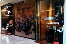 Escaparate White Box Jack&Jones C.C. Madrid Xanadu. / Design and assembly of shop windows for Jack & Jones company in Madrid Xanadu mall.