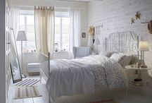 Bedroom Ideas / It's all about stylish living in Scandinavian style with a touch of seasonal flavor!