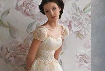 Cute Dresses / by Gaby Vanessa Saldaña