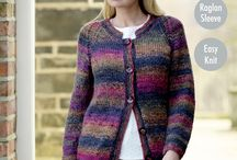 Corona / Corona Chunky is bright and colourful with an amazingly soft handle. Perfect for those warm winter knits, available in 10 jazzy multi tonal shades.