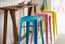 Cocinas Coloridas / En este tablero compartimos imágenes de cocinas con mucho color. Ideas para los amantes de la decoración colorida.