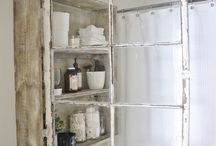 Cabby chic Window Cabinet