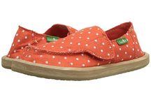 E's Shoe Shopping