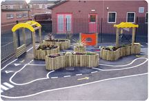 EYFS Outdoor area / Ideas for EYFS outdoor provision on a shoe string. Using Pallets, cable drums and pound shop resources.