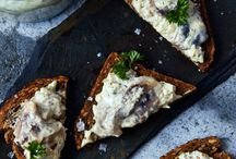 Herring in mustard sour cream on rye bread