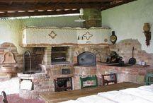 oheň / kamna, krby, pece, udírny, kuchyně
