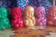 Budas en yeso / buditas pintados a mano ✋ con acrilico y barnizadoa.