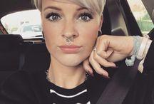 Woman shorthaircut/style