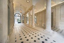 Rue de Lille Paris / Présenté par 1 client privé à un promoteur, LPA a été missionné pour une mission complète, de la conception  au suivi de travaux pour la restructuration complète de deux immeubles. (dont un hôtel particulier du début du XIXe siècle qui a été rehaussé au XXe siècle).