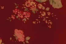 Quilting Fabrics Reds / Quilting fabrics in beautiful shades of burgundy, claret, and deep red, with a vintage feel.