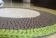 Связанные крючком коврики