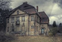 Abandon houses / by Pamela Dunkin
