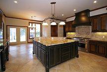 Beautiful Kitchen Spaces / by Penny Bingman