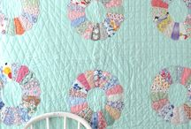 Quilt~Inspiration Quilts / Quilts that appeal to me and inspire me. / by Camille F