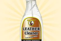 Leather Cleaner / Howard Leather Cleaner gently removes dirt, grime, and other stains from smooth leather. Use on leather furniture, automotive leather, luggage, shoes, and accessories. Ideal for cleaning and preparing leather surfaces before using Howard Leather Conditioner.