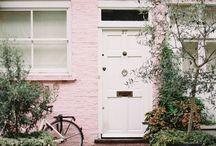 Casas em tons de rosa