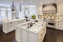 Kitchens / by Stacey Santos