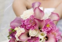 Stunning Wedding Bouquets & Flowers / Our favorite classic, unique & fashion-forward bouquets found around Pinterest, BrideRush.com & the web.