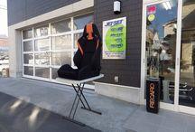 RECARO SR-7  ラシックオレンジ / 鋼板モノコック、ゴムバネ+ウレタンクッションの 伝統的座面構造を、モダンな印象でくるんだ デザインコンシャスなシートの印象です。
