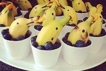 Lekker gezond met fruit: traktaties & ontbijt / Bananen zijn leuk om te gebruiken bij traktaties, maar het is natuurlijk ook gezellig om samen met kids de keuken in te duiken voor het ontbijt. We hebben de leukste ideeën voor je verzameld!