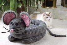 Kedi için yapılan örgüler
