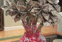 Pénz csokor - Money bouquett / Pénz ajándékozási ötletek További ötletek: http://balkonada.cafeblog.hu/2015/04/24/penz-ajandekozas-kreativan/