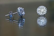 simulated diamond deals / The best, most perfect imitation diamonds in the world come from Diamond Veneer. Best Simulated Diamond Rings, imitations earrings and alternative pendants for a fraction of a cost of a real diamonds.