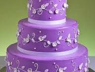 Purple wedding ideas / Choose purple for a very regal celebration!