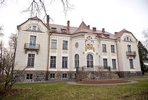 Werynia - Pałac Tyszkiewiczów / Pałac Tyszkiewiczów w Weryni zbudowany w 1900 roku według projektu Tadeusza Stryjeńskiego. Obecnie siedzibę ma w nim Instytut Biotechnologii Uniwersytetu Rzeszowskiego.